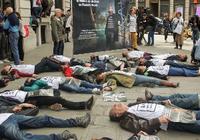 诉讼获胜 法国激进组织在苹果店举行抗议活动
