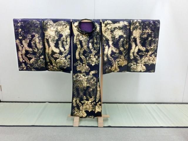 核爆下留存的120件广岛藩主能乐珍品