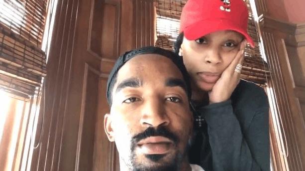 JR与妻子