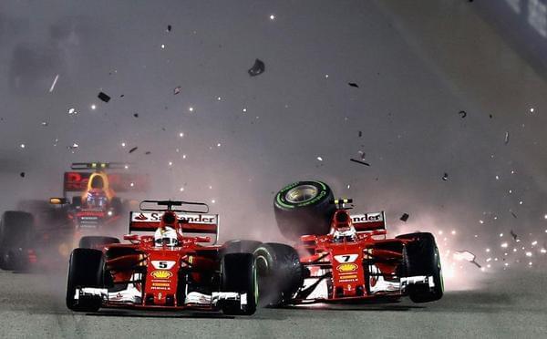 新加坡站乱成一团!法拉利两车首圈相撞退赛