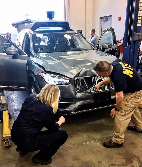 首例自动驾驶致死事件:疑点重重 谁的危局?