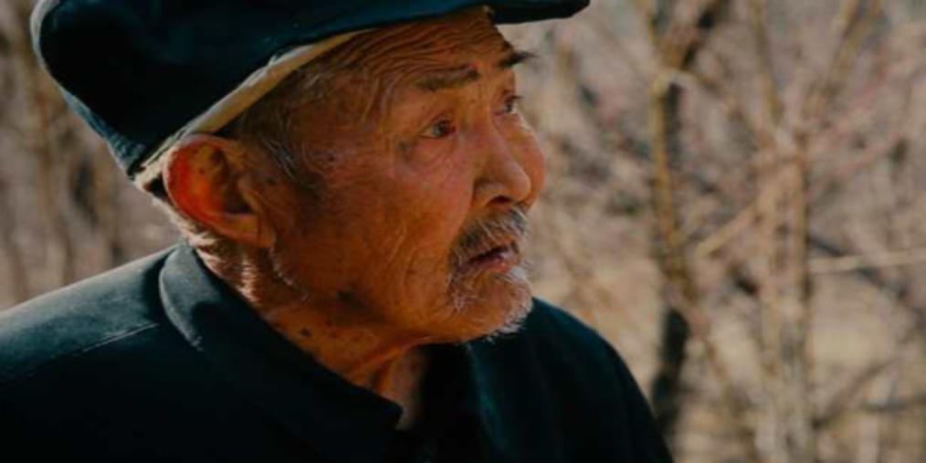 长治县开展向范富生老人学习活动