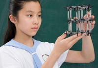 中学要求女生剪短发学生头:不剪不能进校门