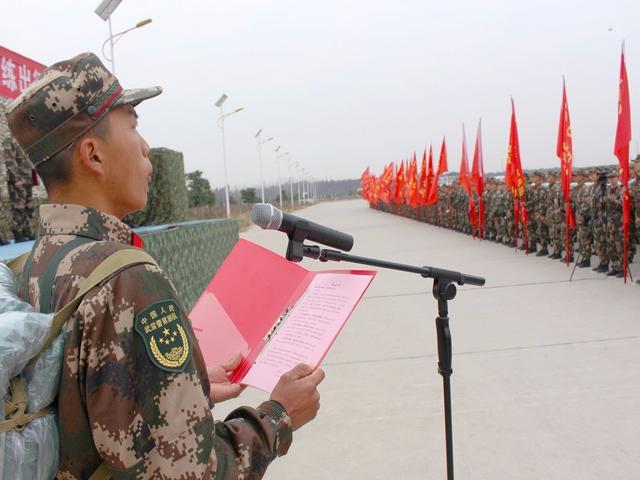 湖北近5000名新兵野营拉练进行中,各种临机敌情说来就来