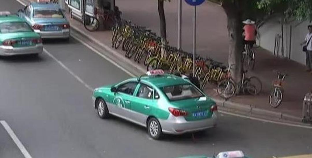 """""""我是好心才载你的""""广州出租车挑客拒载现象再现"""