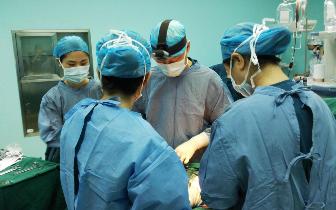 """二胎妈妈遭遇分娩""""劲敌"""" 重庆安琪儿医院专家助力平安生产"""