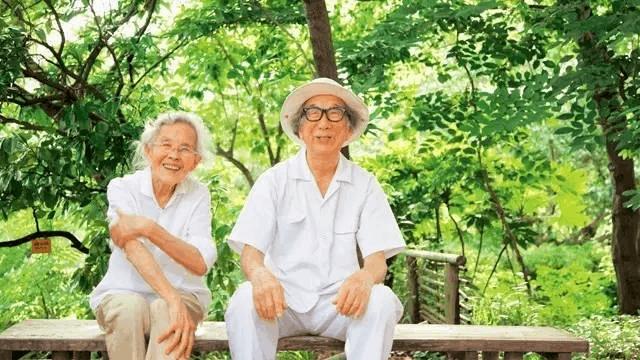 就像这对178岁的日本夫妇 把日子过成诗!
