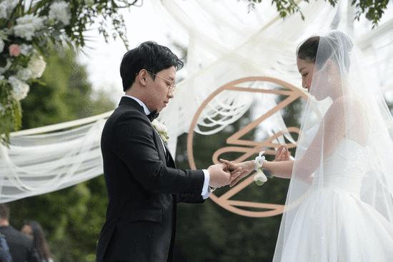 奥运五金王邹凯周捷浪漫大婚 组颜值最高伴娘团