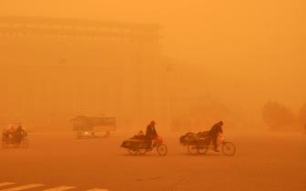 新疆科研人员的研究让沙尘暴预报准确率提高5%