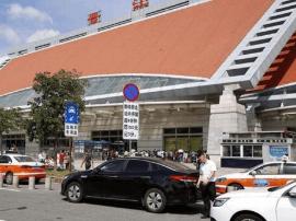 晋江火车站限时停留8分钟首日 300辆违停车被抓拍
