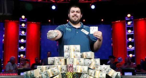 小伙扑克大赛中获815万美元巨奖