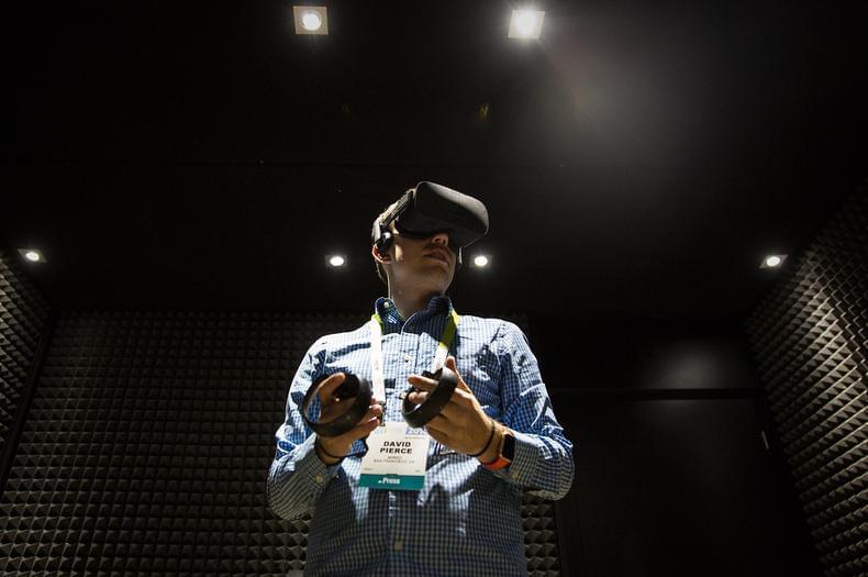 VR元年过半载:最难撼动的是色情片