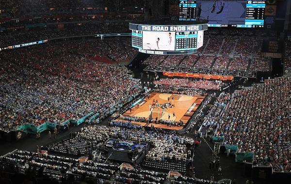 疯!NCAA决赛超7.5万人观战