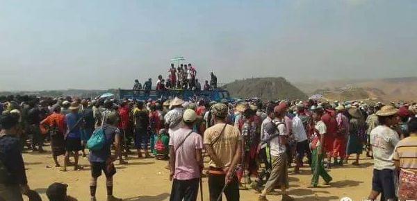 缅甸现巨大玉原石 上千人严密看管
