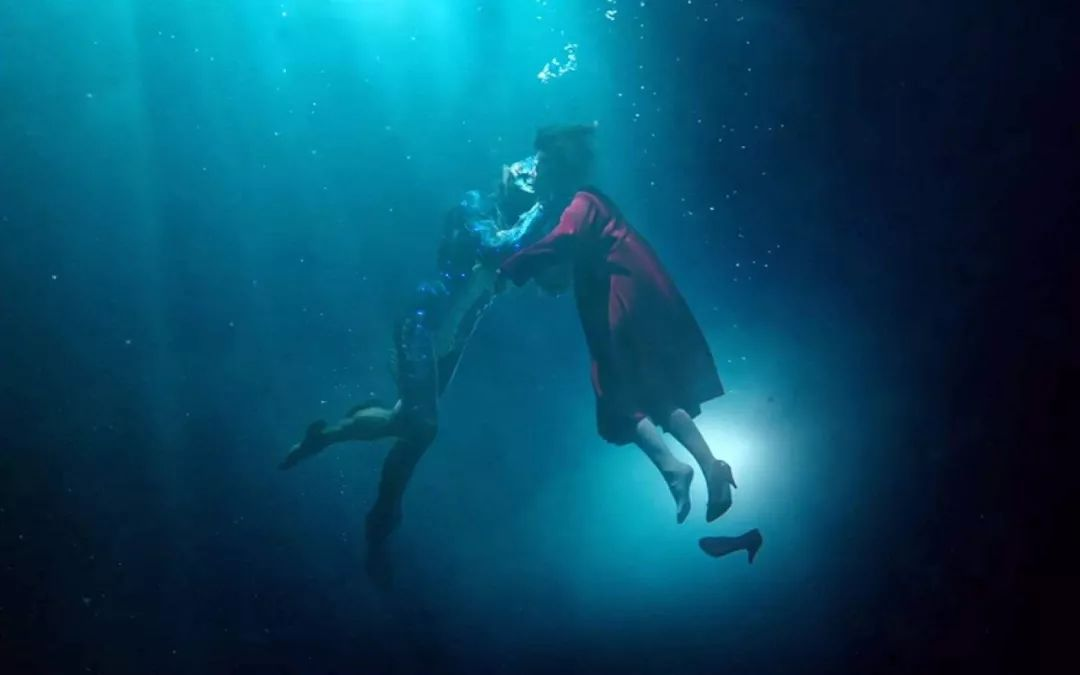 《水形物语》:为什么现在的人都不喜欢童话式的爱情