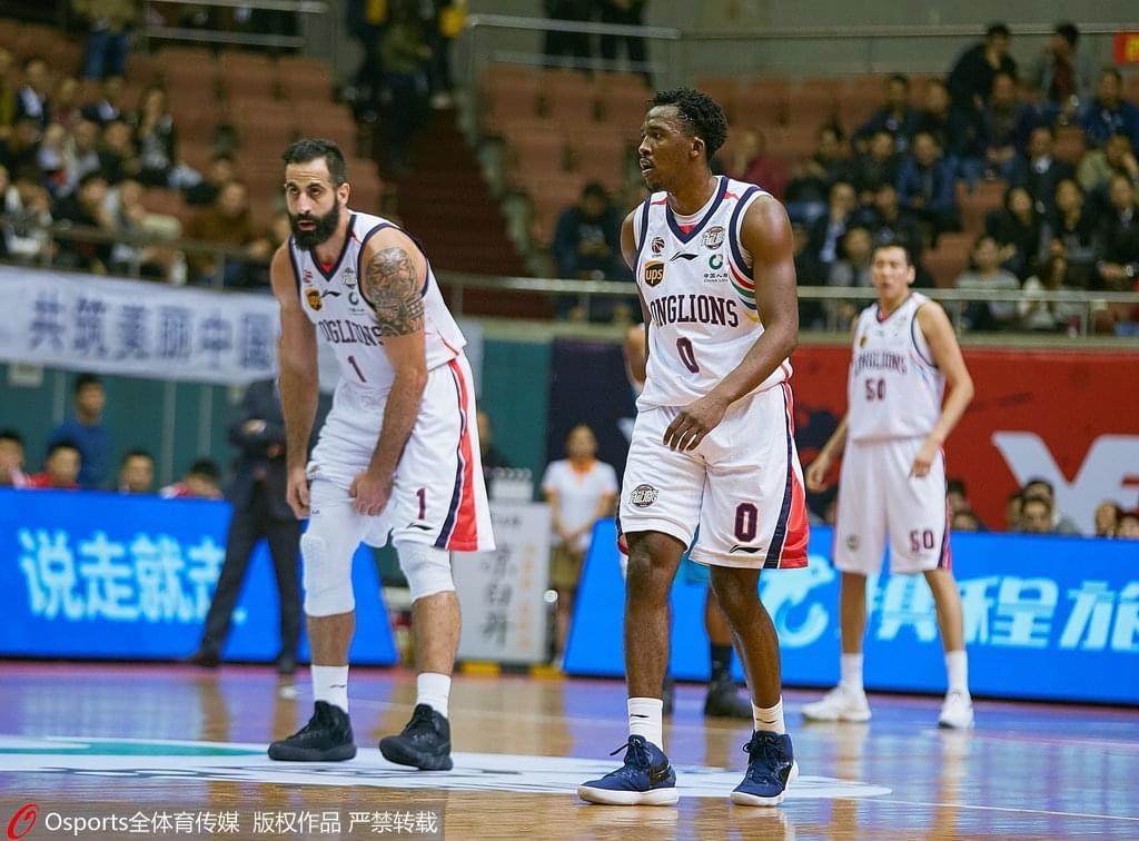 广州逆转福建获胜结束两连败 三外援合砍89分