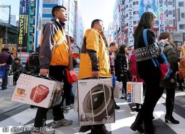 贴牌后卖价涨20倍 中国生产商:没品牌就像没文化