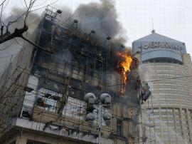 站前国商起火 消防迅速扑灭 人员及时疏散无伤亡