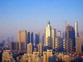 东莞昨日住宅成交均价13392元/�O 环比降5%