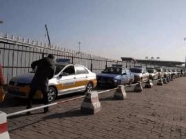 记者暗访长春龙嘉机场:宰客出租车消停不少