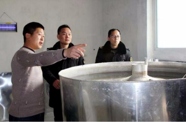 荆州区核发首张白酒小作坊生产许可证