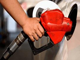 油价上调:多数地区超6元/升 加满50升油箱多花3元