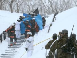 日本一滑雪场发生雪崩 8人恐丧生