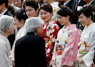 福原爱盛装见日本天皇