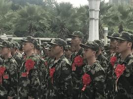 南宁市今年首批入伍新兵2000余名奔赴军营