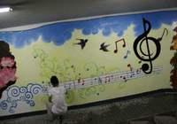 大三学生做墙绘9个月挣20万 熬夜赶工是常事
