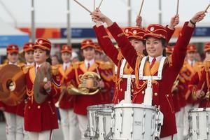 朝鲜啦啦队平昌奥林匹克广场演出