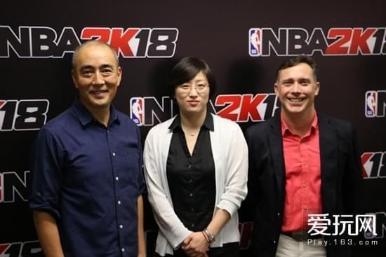 SIE上海负责人添田武人(左),星游记CEO陈乐(中),Take-Two亚洲发行副总裁Erik Ford(右)