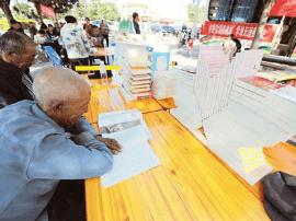 广灵推出流动图书馆 国庆照常开放为读者送书上门