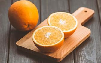 吃橙子虽然好处多 但并不是每人都适合吃