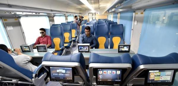 """告别开挂的火车!实拍印度""""豪华""""高铁"""