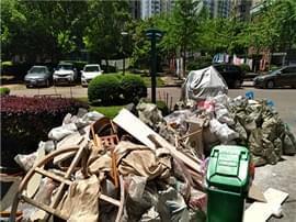 红谷滩新区滨江豪园小区物业不作为 垃圾多停车难