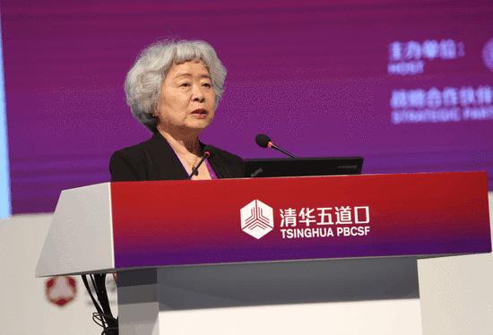 吴晓灵:中国企业杠杆率全球最高 应控制沉重债务