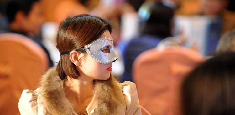"""""""京城第一男红娘"""":女性收入越高越受歧视"""