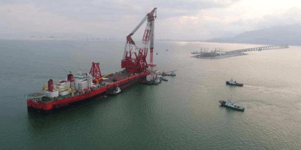 港珠澳大桥岛隧工程海上施工全面告竣