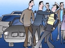 太原:三名男子阻挠交警正常执法 殴打辅警被刑拘