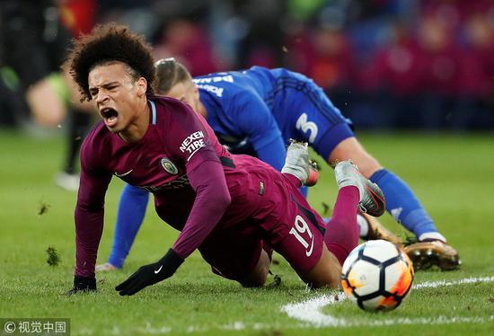 踢不过就铲废你!曼城小梅西险些断腿 德国官方怒了:我们还咋踢世界杯?