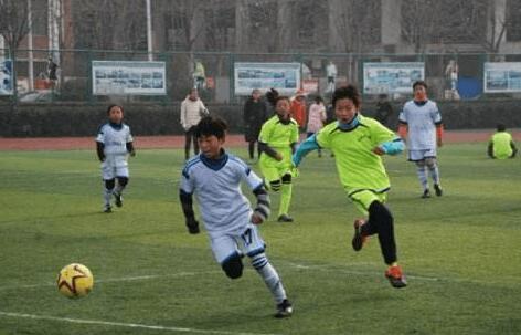 市青少年校园足球锦标赛赛事过半 沙市区成绩优异