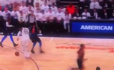 【影片】火爆!威少對Crowder凶狠犯規 後者被激怒後肘擊Adams遭驅逐-Haters-黑特籃球NBA新聞影音圖片分享社區