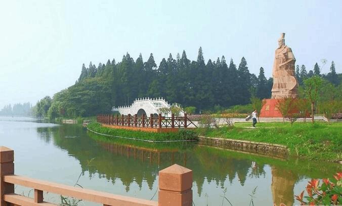 我为荆州当导游:荆州公园美景 与众不同充满韵味