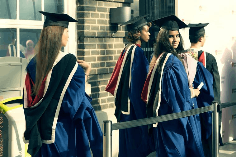 留学该选择冷门专业吗?因地制宜慎重选择