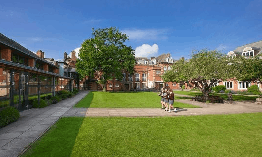 侨外英国移民解析英国私立中学优劣势