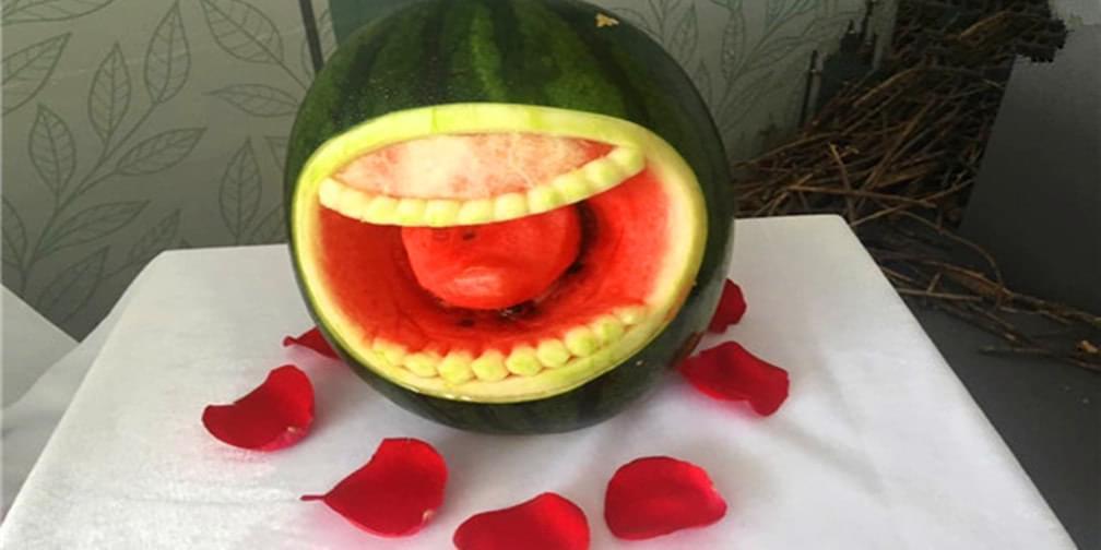 台湾友人把西瓜雕成画 先吃还是先拍照?