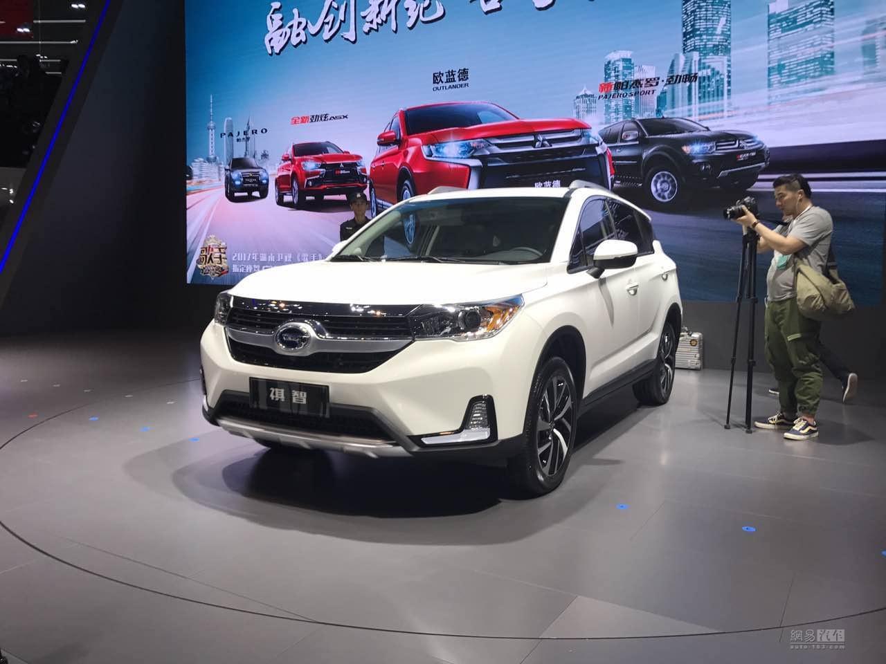 2017上海车展:广汽三菱插电混动SUV祺智