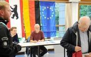 德国大选开始民众参加投票