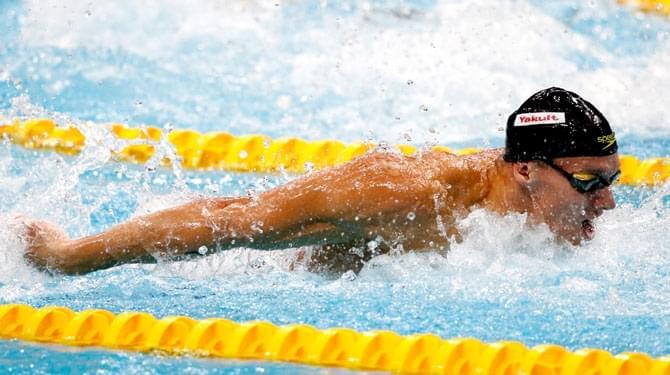 男100蝶德鲁塞尔夺冠 险破菲鱼世界纪录